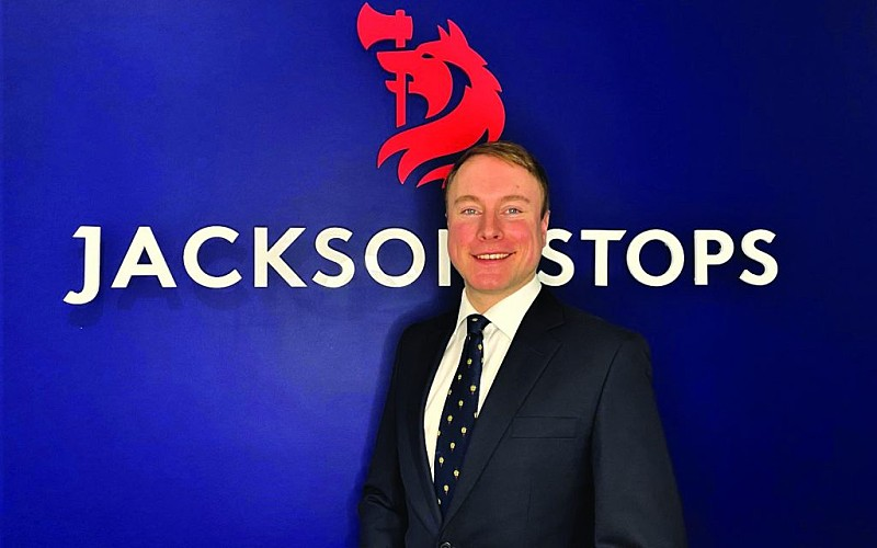 Estate agent returns to his roots to run own office